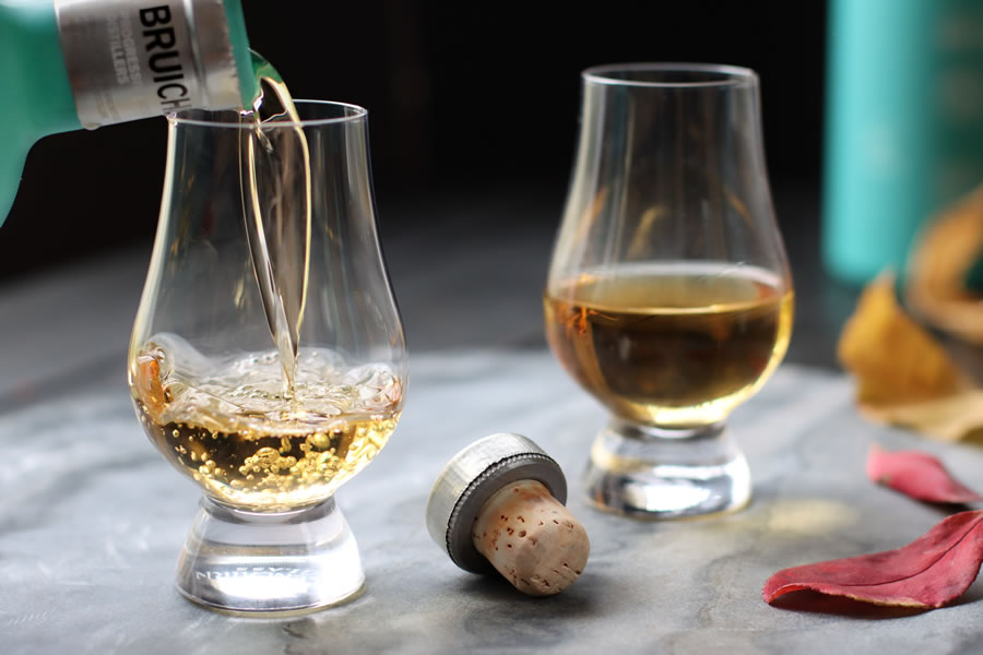 Discover the best Scotch whiskeys with Bruichladdich