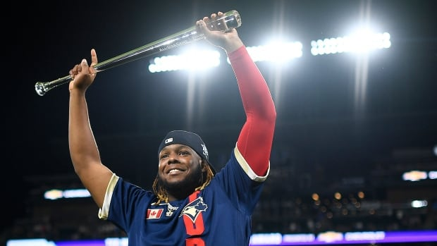 Vladimir Guerrero Jr. becomes the youngest MVP in the history of the All-Star Games as AL at the top of the NL